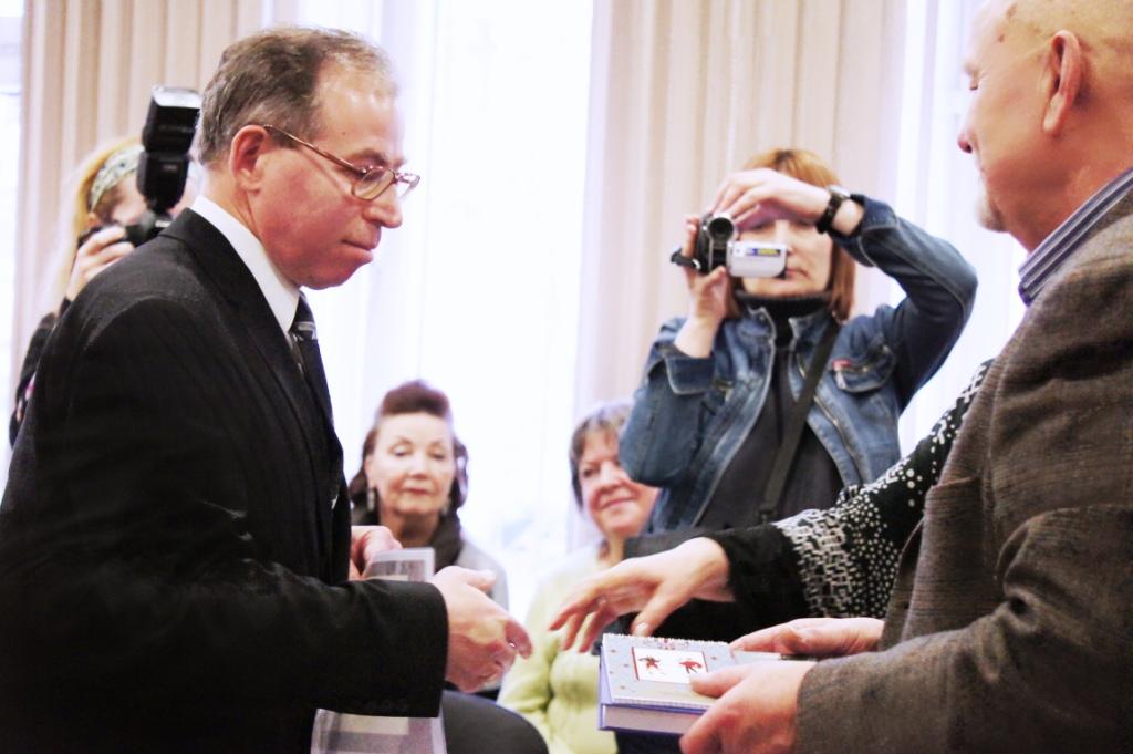 Итоги ИЛЬЯ-ПРЕМИИ'2012 — вручение награды Леониду Саксону (Крайсхайм, Германия)