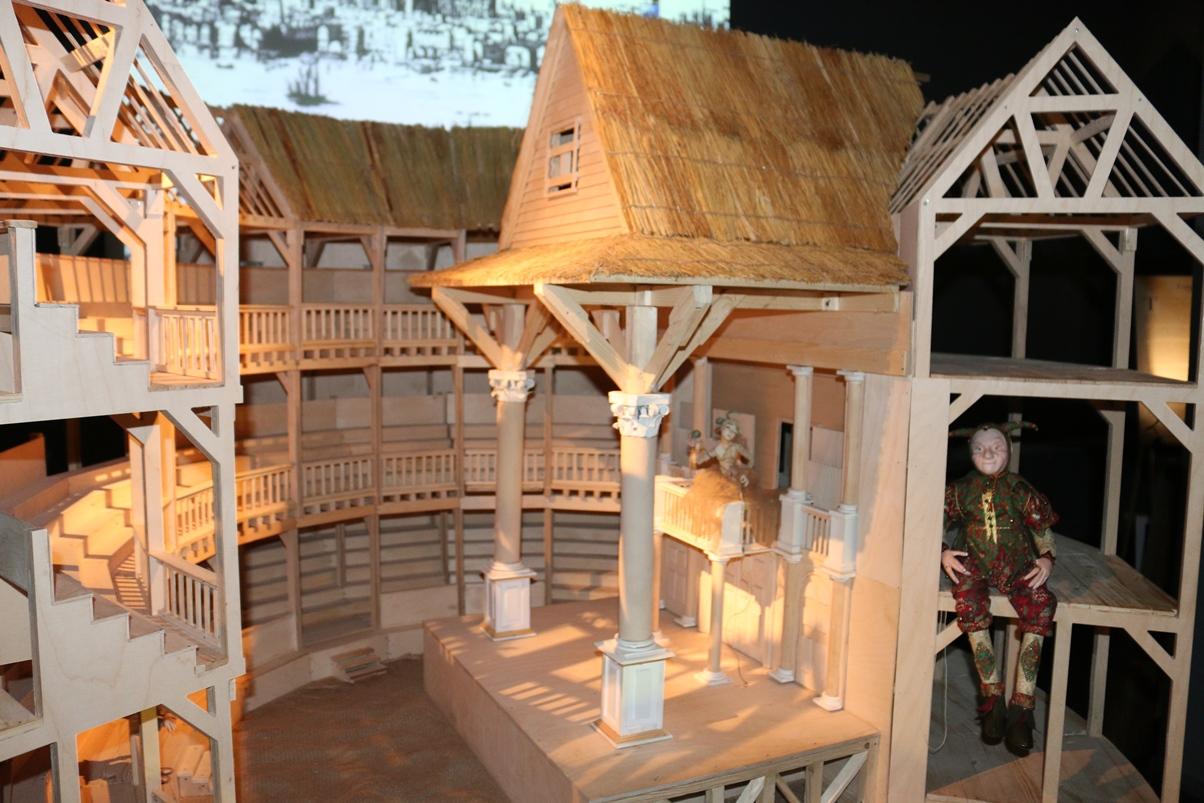 Модель театра «Глобус». Выставка «Шекспир/тайна/400»: мыльный пузырь «шекспировского вопроса»