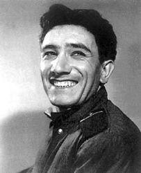 Первый раз Джигарханяна в ГИТИС не приняли из-за сильного армянского акцента. Середина 50-х годов